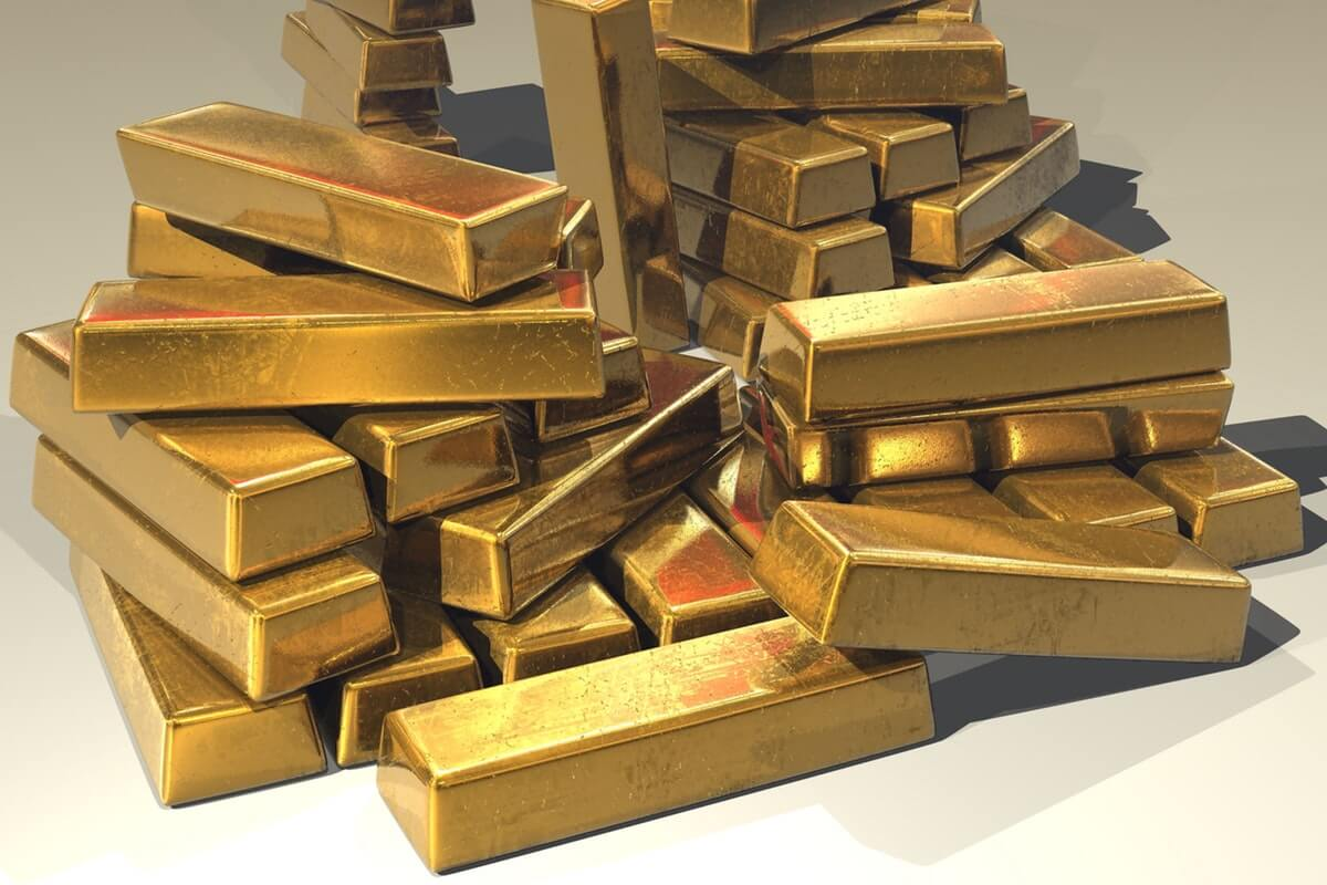 Gold Surges to $1,500 Following Trade War Escalation Image
