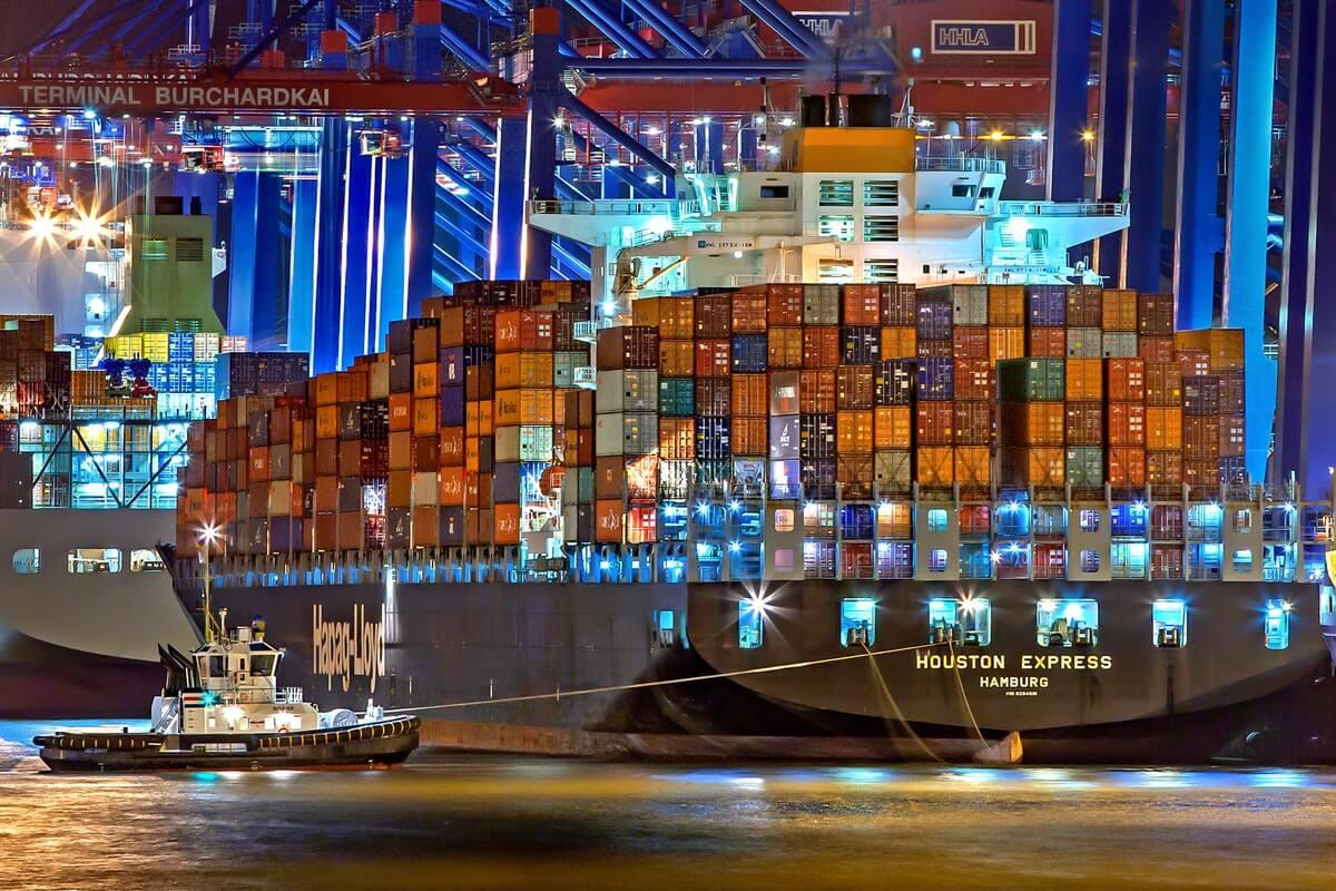 US Economy Veers Toward Recession as Trade War Escalates, Economists Say Image