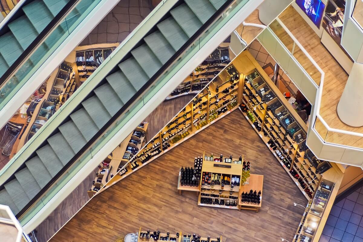 From Personalized Marketing to Smart Shelves, IoT is Revolutionizing Retail Image