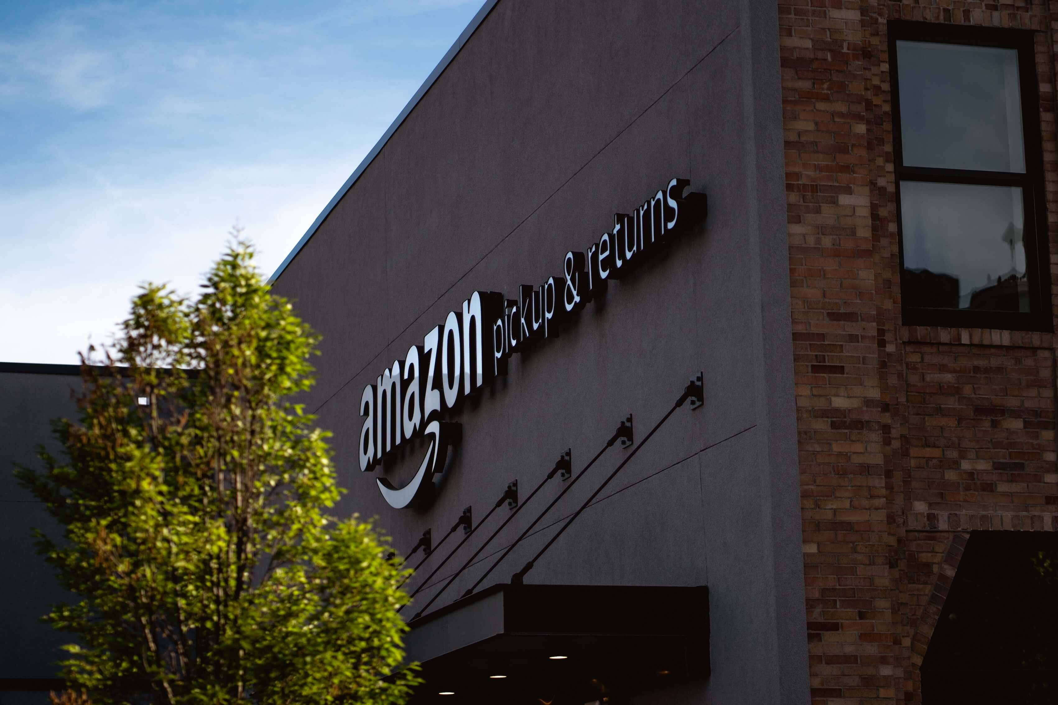 One-Day Shipping Could Boost Amazon by 45%, Analyst Says Image