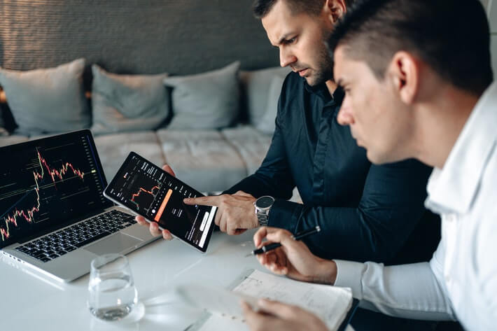 What Is Online Trading? Everything You Should Know Image
