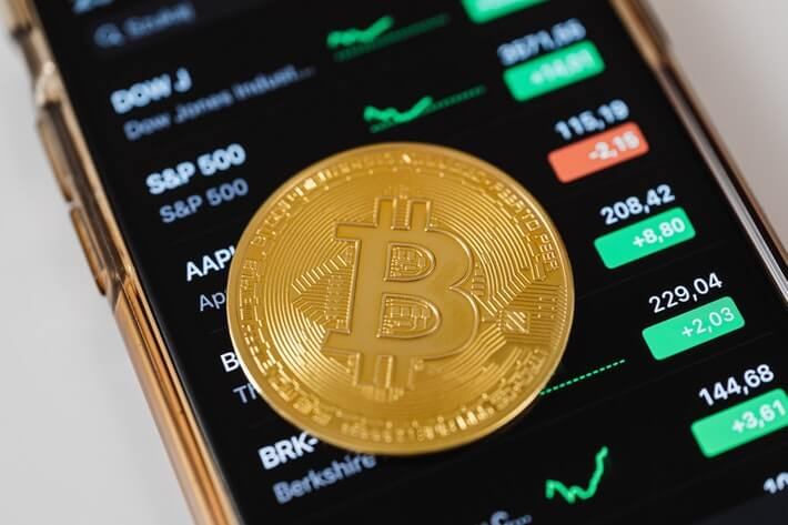 Bitcoin at a Crossroads: International Trade Currency or Speculative Implosion? Image