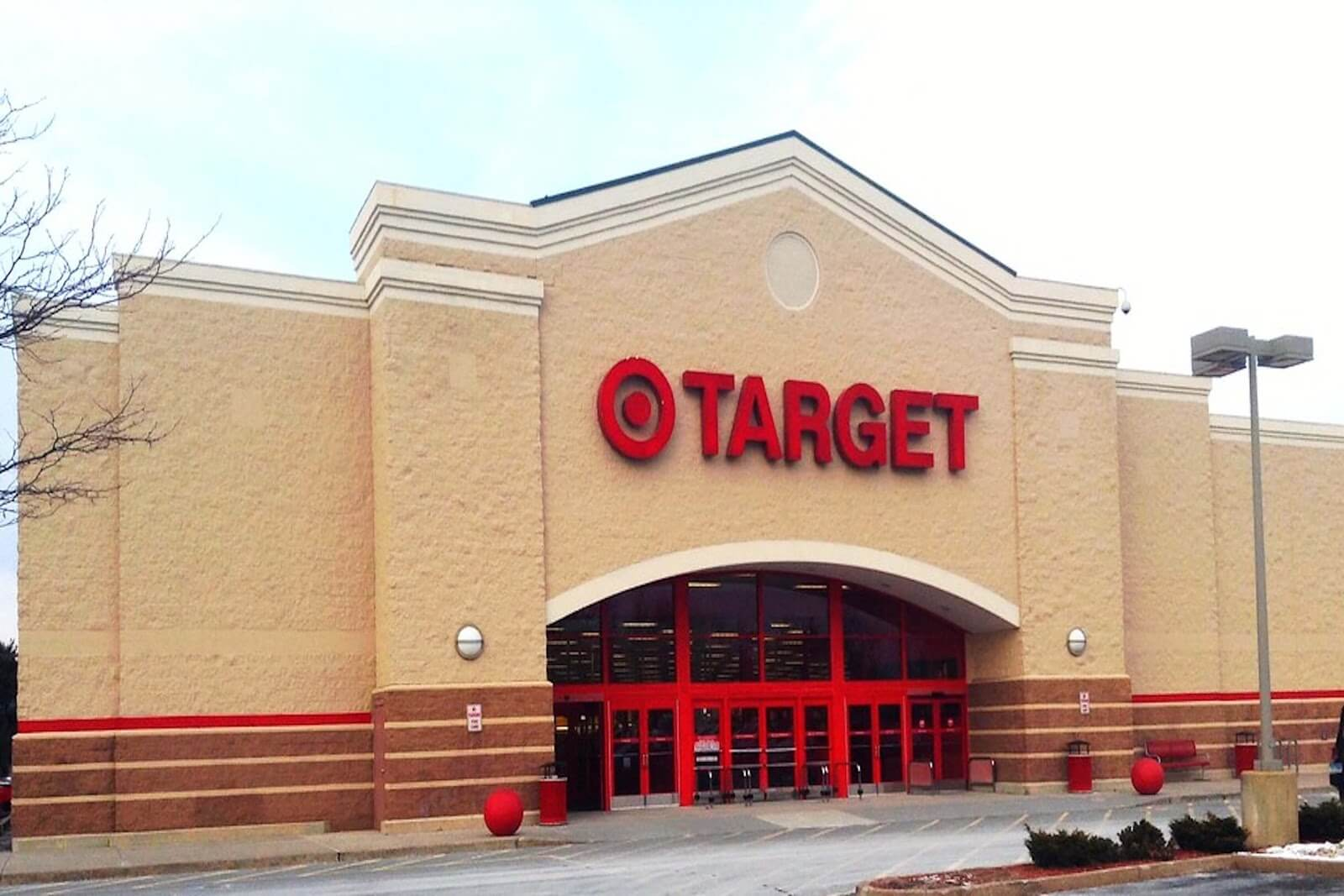 Target Cuts Hours After Raising Hourly Pay, Workers Complain Image