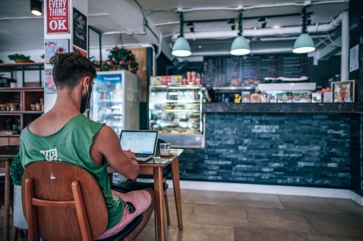 Gig Economy Statistics: The New Normal in the Workplace
