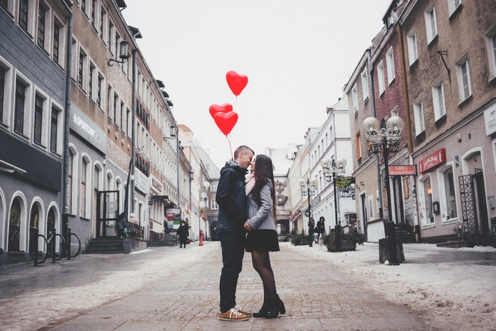 Valentine's Day Spending Statistics: The High Cost of Romance Image