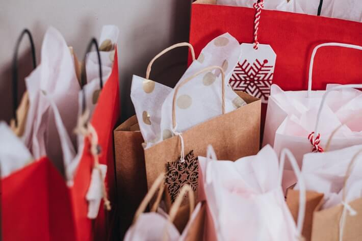 Holiday Spending Statistics That Paint a Clear Picture of Consumer Habits
