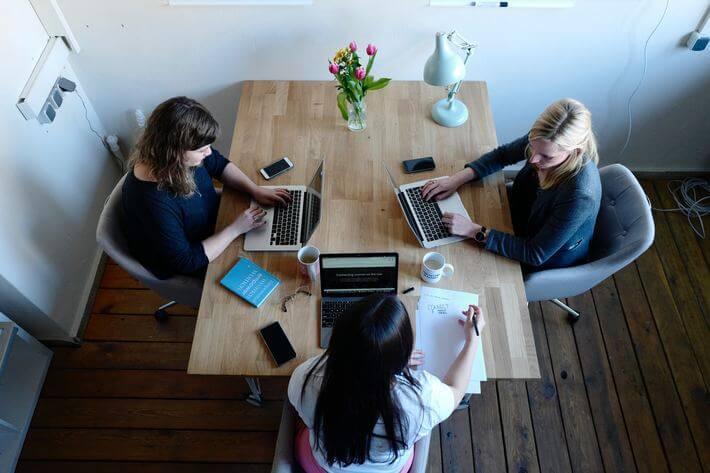 Ladies who Lead - 35+ Amazing Women in Business Statistics Image