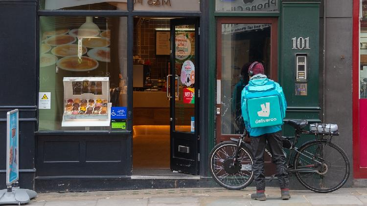 Deliveroo Share Price Rises: Retail Investors Like the Stock, Employees Demanding Fair Wages
